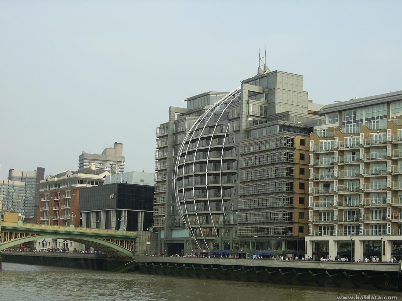 Интересна архитектура по Темза