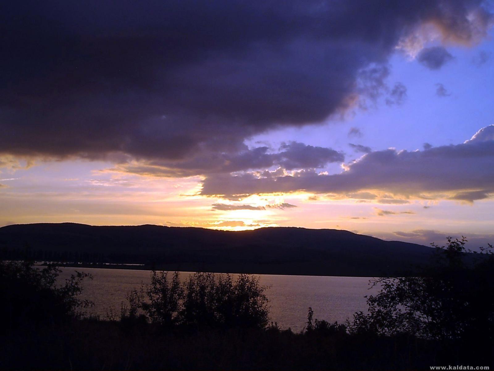 Някакво езеро :D