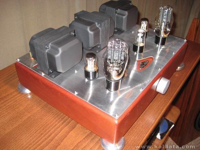amp0899.jpg