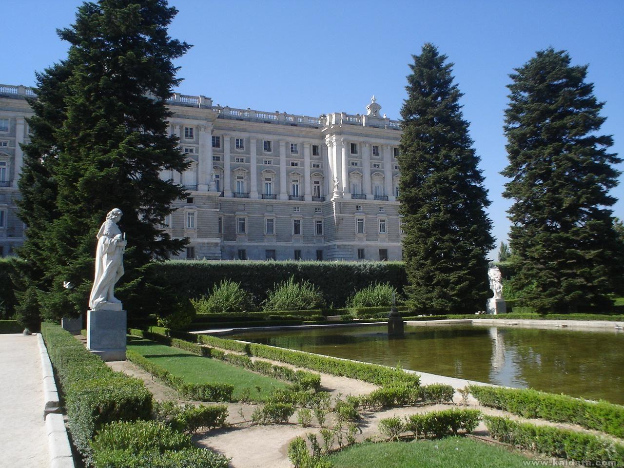 Кралският дворецв Мадрид
