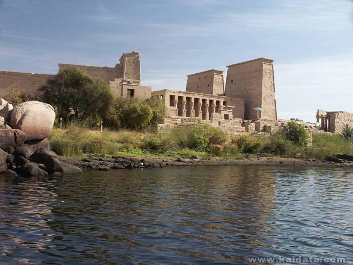 Philae_Isis_Temple_1