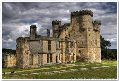 средновековен замък