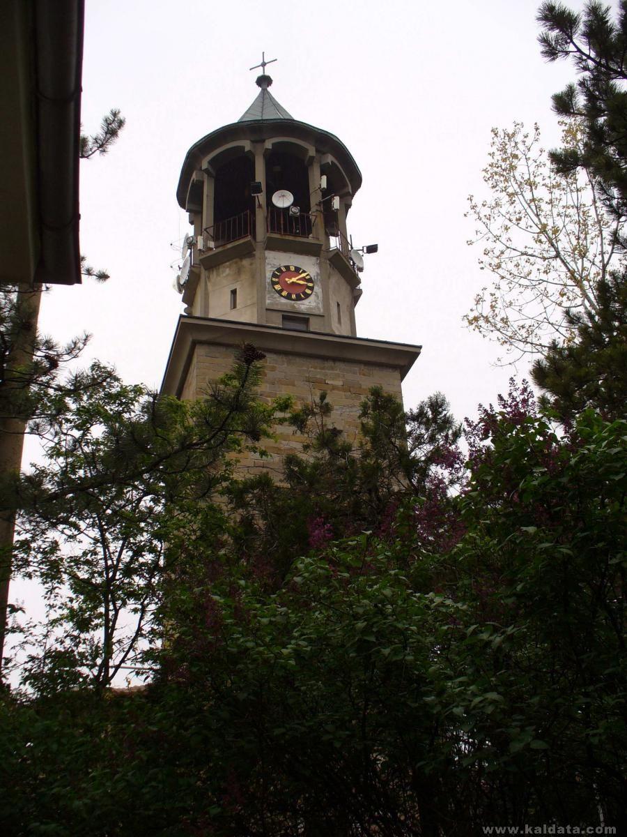 камбанарията на манастира