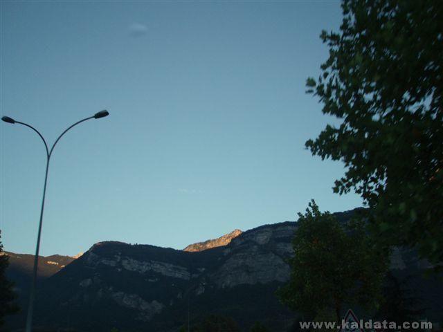 Алпите при изгрев.JPG