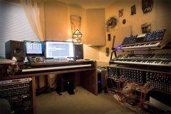 studio_hdr_r2.jpg