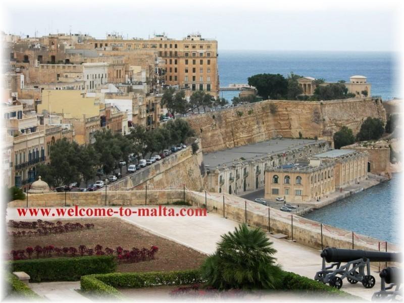 panorama Ot Upper Baraccas Valletta