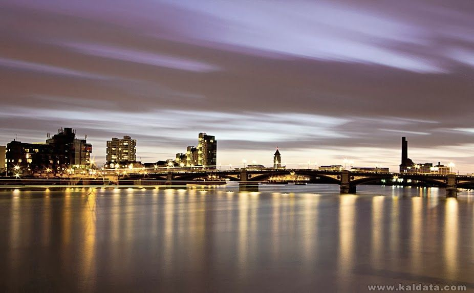 River Thames 1 edit 1 crop.jpg