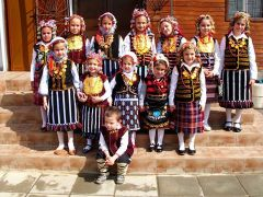 Български деца