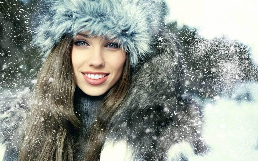 28106-women-snow-Izabela_Magier.jpg