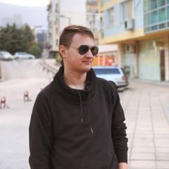 Траян Николов