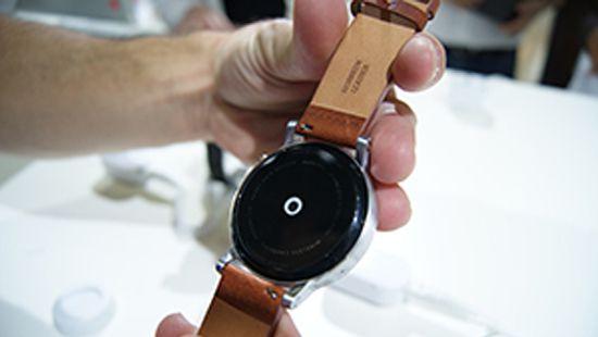 Снимка: Пазарът на корпоративната носима електроника ще расте