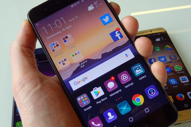 Неотдавна се появи информация, че флагманският смартфон Huawei P11 ще