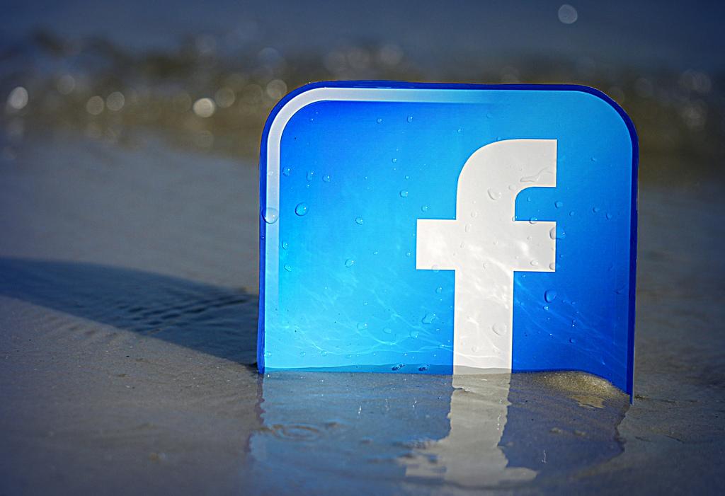 """Разделът """"Watch"""" на Facebook вече няма да бъде изпълнен само"""