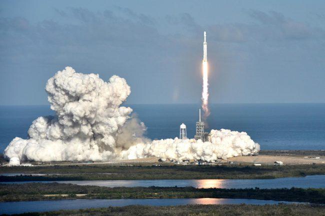 Falcon Heavy       ,