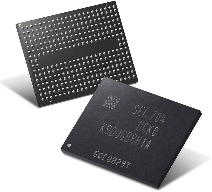 През последните година и половина цената на NAND флаш паметта