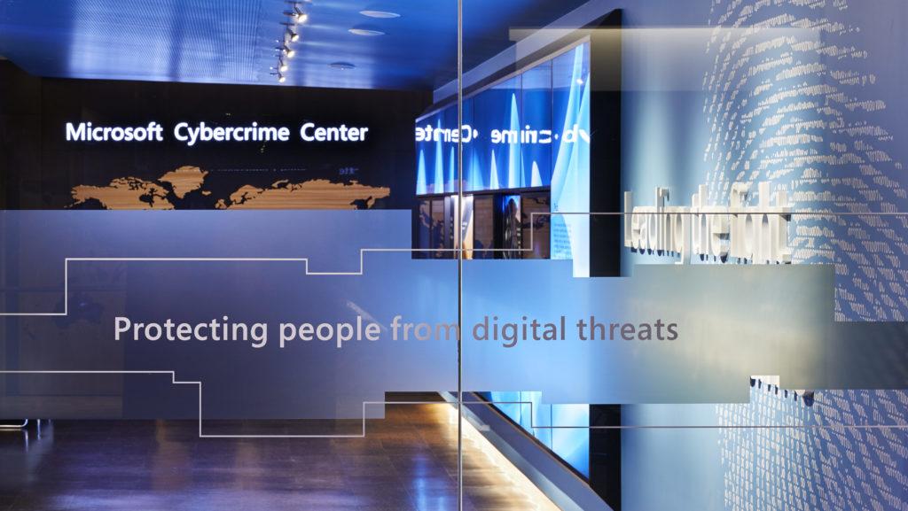Microsoft води съдебна битка срещу група хакери, за да се