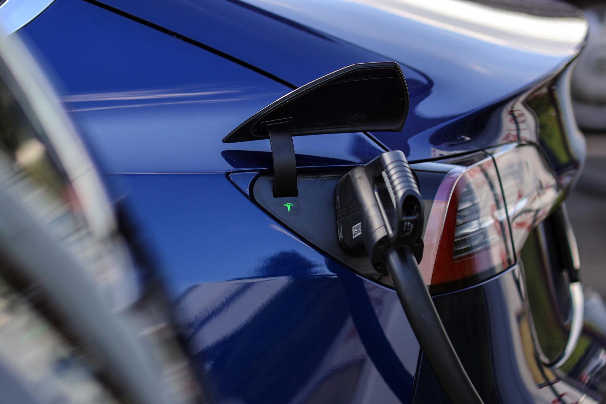 представи своя пореден амбициозен проект: автомобилната компания на Илън Мъск
